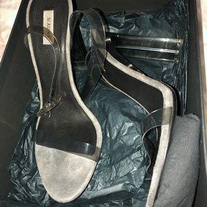 6b8b3412f7b Yeezy Shoes
